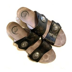 Women's ABEO Leather Footbed Sandals